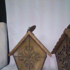 Antigüedades: PAREJA DE ORIGINALES RUSTICAS LAMPARAS , MADERA Y CRISTAL. . Lote 83787456