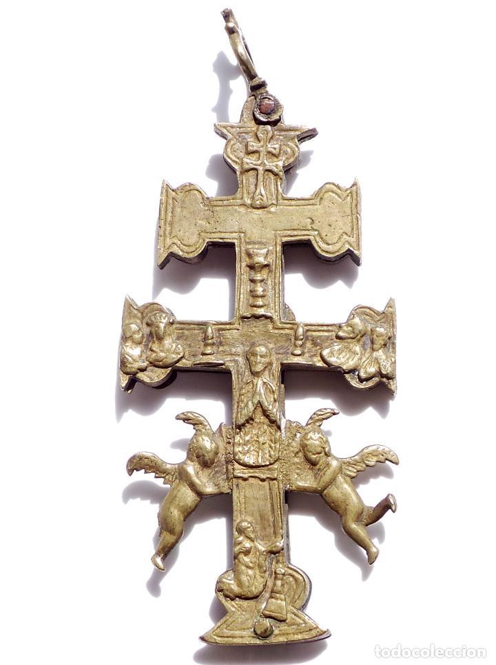 Antigüedades: CRUZ DE CARAVACA EN BRONCE S XVIII 15 CM DE ALTO - Foto 3 - 83918224