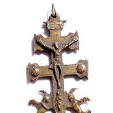 Antigüedades: CRUZ DE CARAVACA EN BRONCE S XVIII 12 CM DE ALTO. Lote 83918316