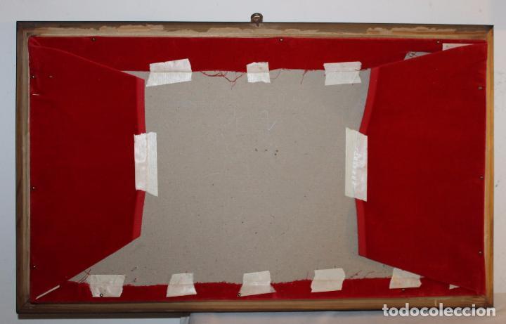 Antigüedades: ABANIQUERA EN MADERA Y FONDO DE TERCIOPELO - MEDIADOS DEL SIGLO XX - Foto 4 - 83922096