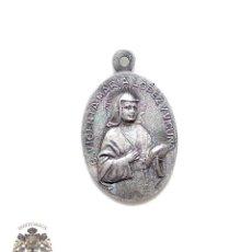 Antigüedades: ANTIGUA MEDALLA RELIGIOSA EN PLATA VICENTA MATIA LOPEZ Y VICUÑA - PIO XII. Lote 83955504