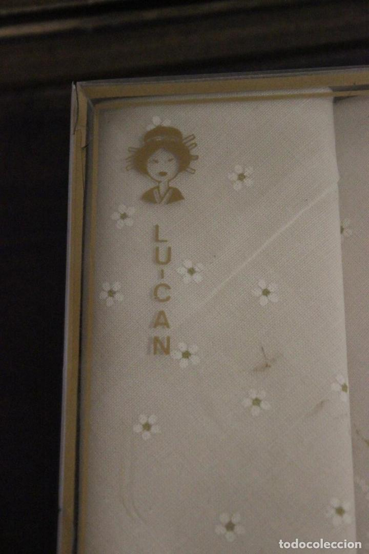 Antigüedades: Estuche sin abrir con 2 pañuelos Lu-can - Foto 2 - 83968792