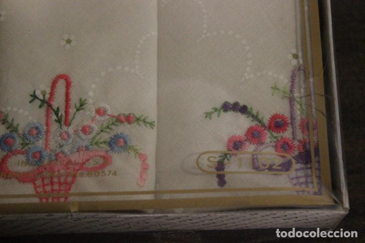 Antigüedades: Estuche sin abrir con 2 pañuelos Lu-can - Foto 3 - 83968792