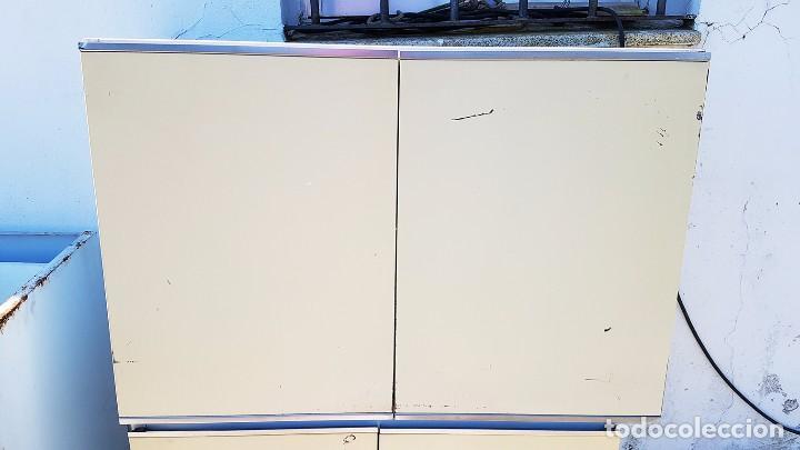 antiguos muebles de cocina metálicos. - Comprar Armarios Antiguos en ...