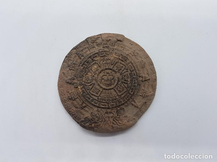ANTIGUO CALENDARIO AZTECA HECHO EN TERRACOTA. (Antigüedades - Hogar y Decoración - Otros)