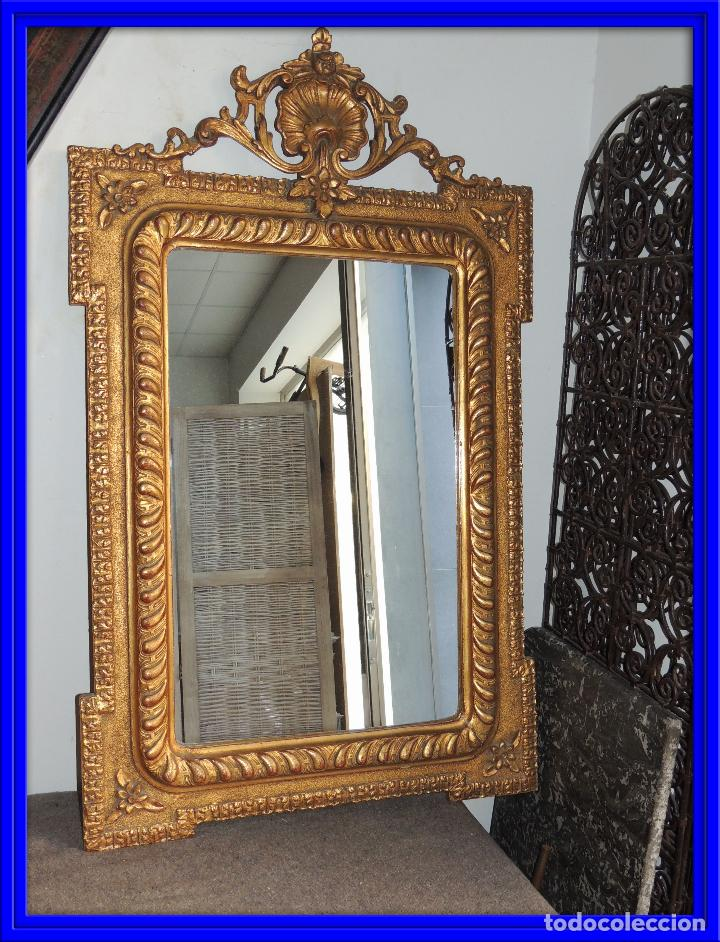 ESPEJO ANTIGUO DE MADERA CON ADORNOS EN ESCAYOLA (Antigüedades - Muebles Antiguos - Espejos Antiguos)