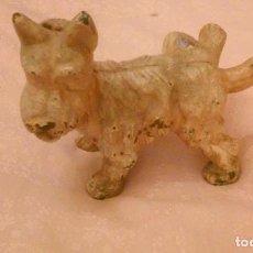 Antigüedades: FIGURA DE HIERRO DE FOX TERRIER CON LA PATA EN ALTO (FIGURA ANTIGUA DE VALENCIA). Lote 84074924