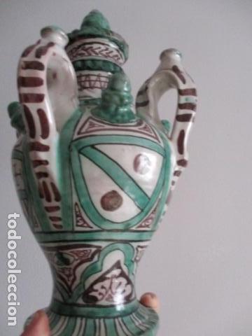 Antiquitäten: Curioso y raro botijo con 4 pitoros y 4 asas, Firmado: PUNTER R 56 - TERUEL - 38 CM DE ALTO - Foto 6 - 84131508
