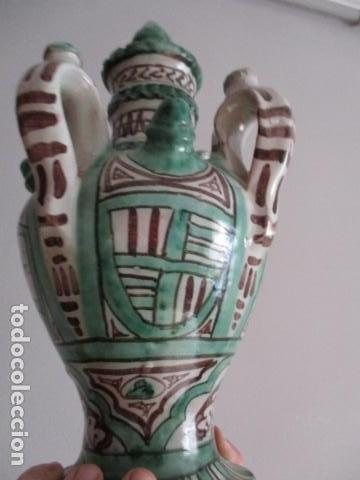 Antiquitäten: Curioso y raro botijo con 4 pitoros y 4 asas, Firmado: PUNTER R 56 - TERUEL - 38 CM DE ALTO - Foto 8 - 84131508
