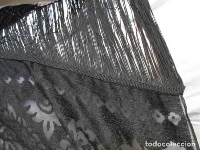 Antigüedades: MANTILLA, MANTÓN O VELO, RECTANGULAR NEGRO. FINISIMO. CON FLECOS, 166 X 40 CM + 20 CM DE FLECOS - Foto 11 - 84133720