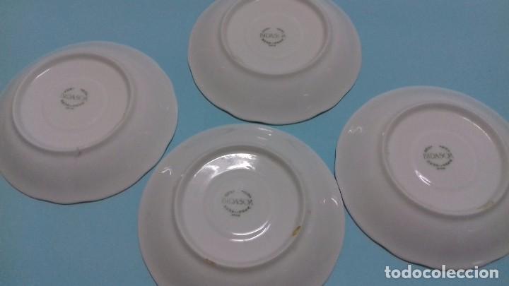 Antigüedades: Lote 4 Platos juego café blancos, con decoración en relieve. Porcelana BIDASOA. 13 cm diámetro. - Foto 3 - 84140184