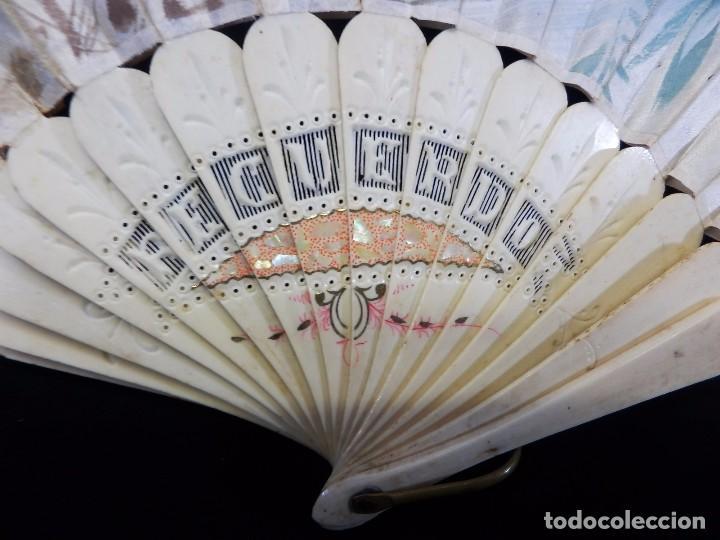 Antigüedades: -Precioso abanico en hueso o marfil, con país de tela, pintado a mano: Dama. S XIX - Foto 5 - 84249284