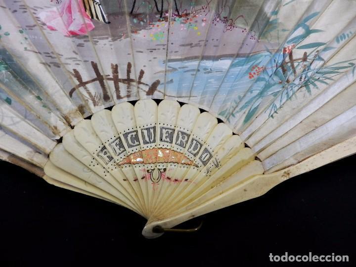 Antigüedades: -Precioso abanico en hueso o marfil, con país de tela, pintado a mano: Dama. S XIX - Foto 17 - 84249284