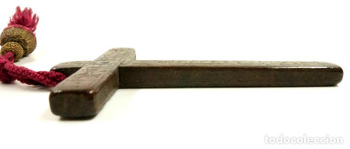 Antigüedades: CRUZ DE PEREGRINO SIGLO XVII. 11 cm de largo. Varias inscripciones de santos, ver. - Foto 9 - 84293152