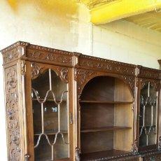 Antigüedades: IMPRESIONANTE MUEBLE TODO TALLADO EN CASTAÑO MACIZO. Lote 75840455