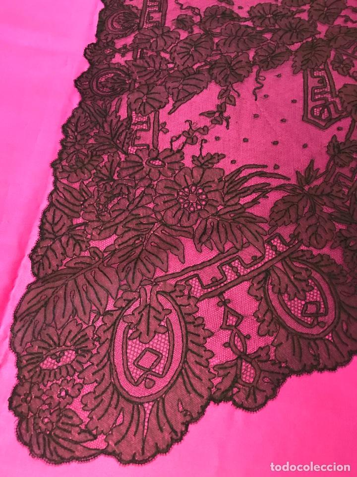 Antigüedades: Capa de encaje antiguo Chantilly para indumentaria tradicional, castellonera, moda, etc - Foto 6 - 84402250
