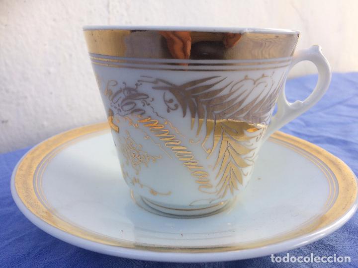 Antigüedades: TAZA DE COMUNION SIGLO XIX DE PORCELANA SELLADA - Foto 2 - 84425348