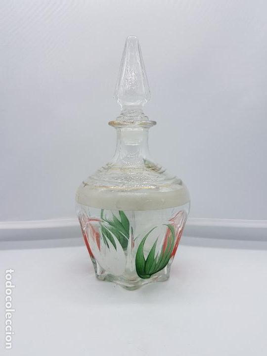 GRAN PERFUMERO MALLORQUÍN ANTIGUO HECHO DE FINO CRISTAL PINTADO CON BELLOS MOTIVOS FLORALES. (Antigüedades - Cristal y Vidrio - Mallorquín)