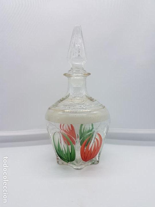 Antigüedades: Gran perfumero mallorquín antiguo hecho de fino cristal pintado con bellos motivos florales. - Foto 2 - 84567132