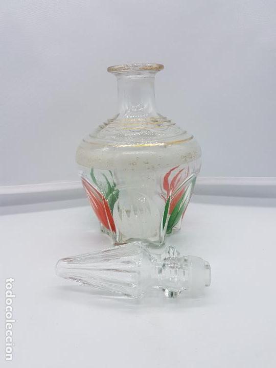 Antigüedades: Gran perfumero mallorquín antiguo hecho de fino cristal pintado con bellos motivos florales. - Foto 4 - 84567132