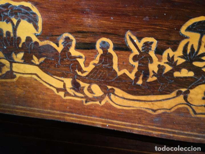 Antigüedades: Comoda Isabelina con marqueteria de boj - Foto 3 - 84637780