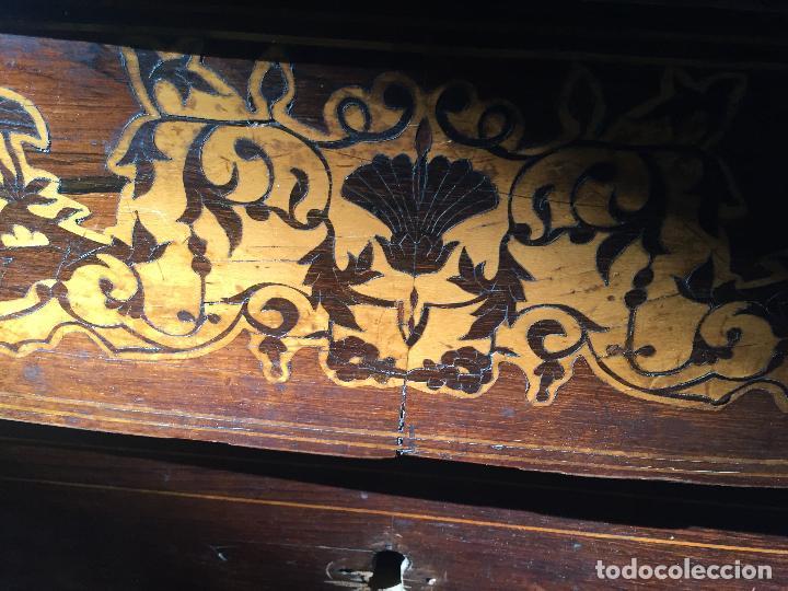 Antigüedades: Comoda Isabelina con marqueteria de boj - Foto 5 - 84637780