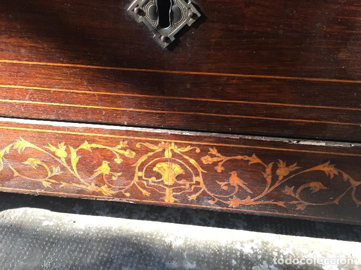 Antigüedades: Comoda Isabelina con marqueteria de boj - Foto 12 - 84637780