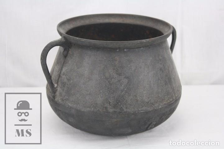Antigüedades: Antigua Olla / Puchero de Hierro Fundido - Medidas 28 x 24 x 19 cm - Foto 5 - 84702576
