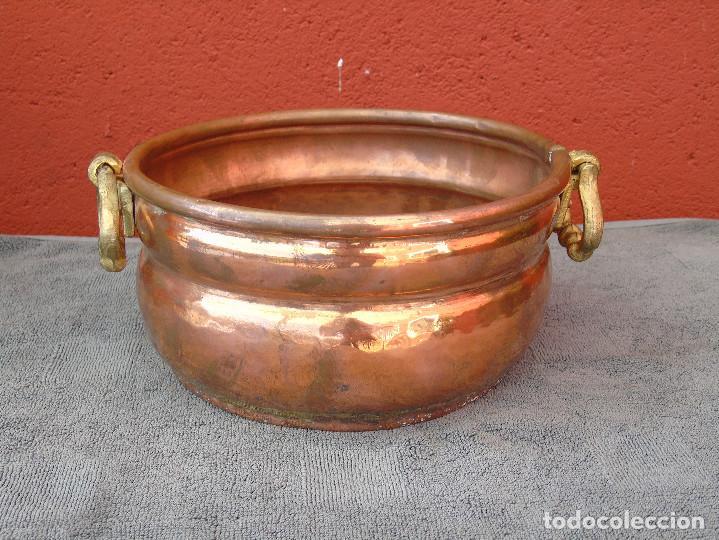 MACETERO DE COBRE REDONDO. (Antigüedades - Hogar y Decoración - Maceteros Antiguos)