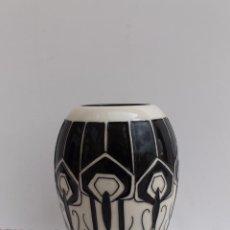 Antigüedades: JARRON DE CERAMICA INGLESA MOORCROFT 2012. Lote 84739720