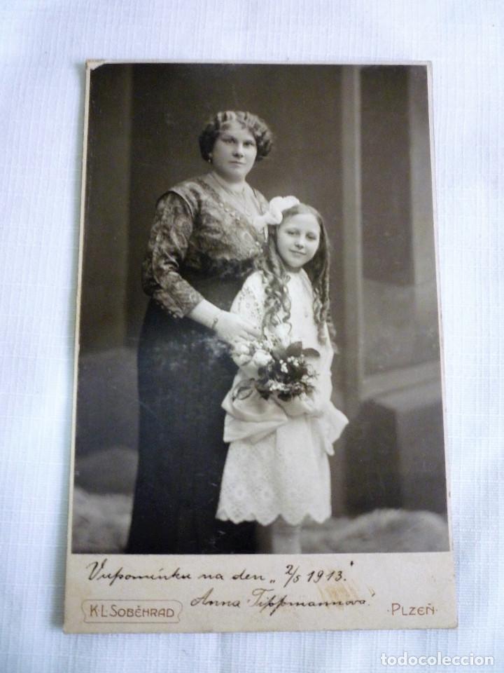 Antigüedades: PORTARETRATO EN MADERA NOBLE CON CRISTAL BISELADO DE 0,8 Y FOTO DE ÉPOCA EN ALBUMINA 1914 - Foto 4 - 84749636