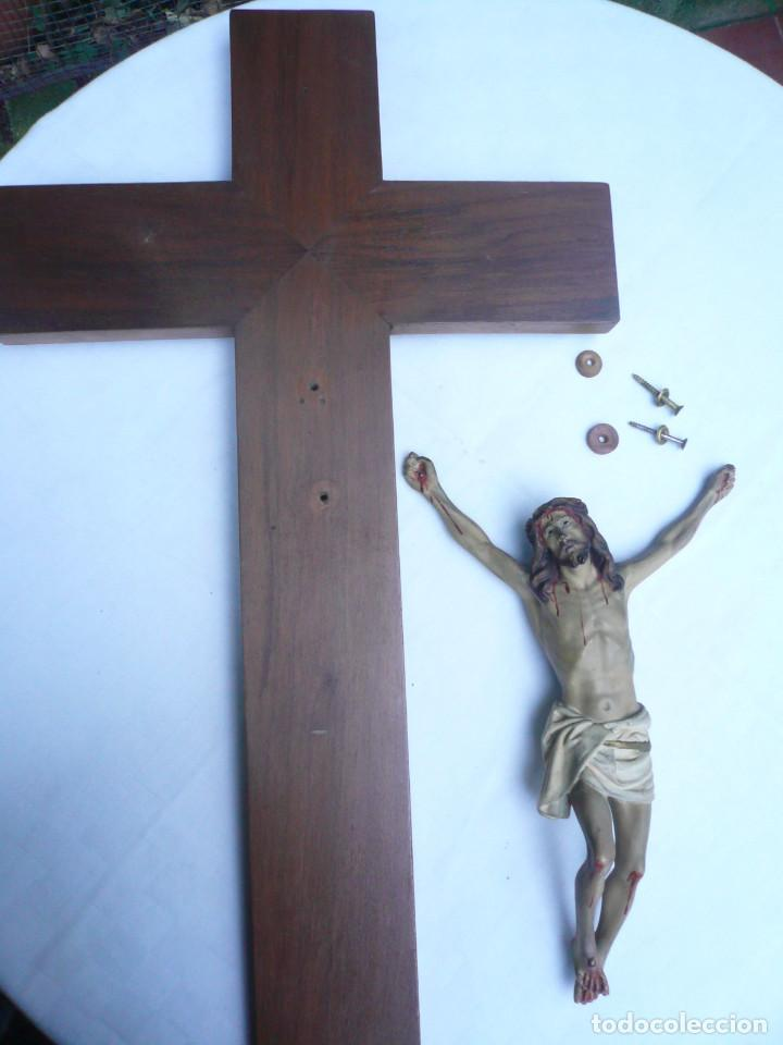 Antigüedades: ANTIGUO CRISTO DE OLOT. OJOS DE CRISTAL. CON SELLO EL ARTE CRISTIANO OLOT - Foto 11 - 84749700