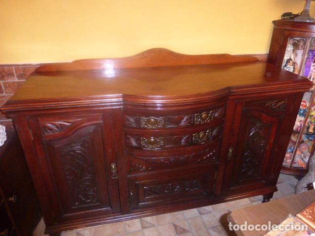 Antiguo aparador o bajo mueble de madera tallad comprar for Muebles oficina baratos liquidacion por cierre