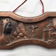 Antigüedades: PEQUEÑO RECUERDO DE MONTSERRAT DE BRONCE.. Lote 84852808