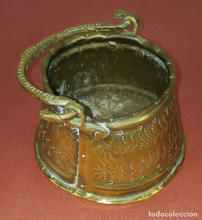 Antigüedades: JARDINERA. BRONCE DORADO. REPUJADO. ESPAÑA. SIGLO XIX-XX. - Foto 2 - 84920012