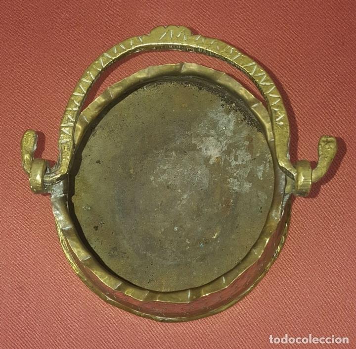 Antigüedades: JARDINERA. BRONCE DORADO. REPUJADO. ESPAÑA. SIGLO XIX-XX. - Foto 7 - 84920012