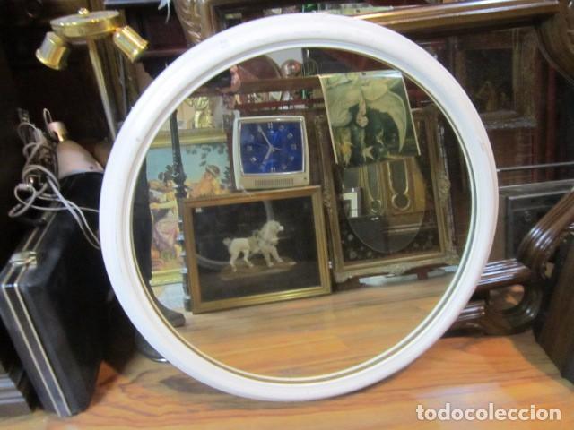 Espejo redondo de pared con marco de madera 5 comprar for Espejo redondo con marco