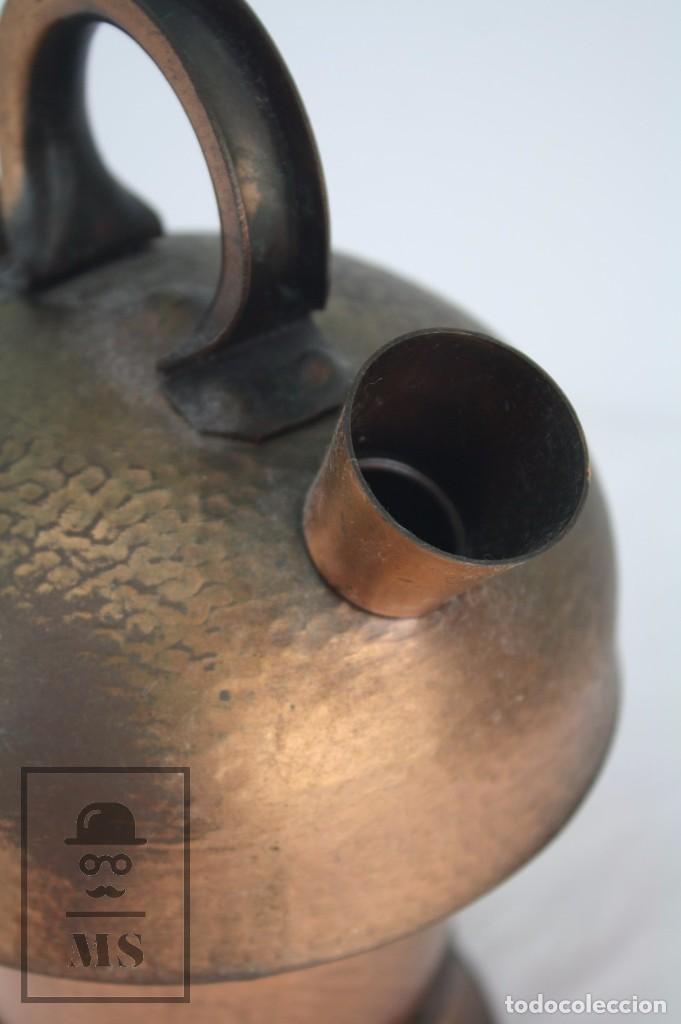 Antigüedades: Antiguo Botijo Artesanal de Cobre Martillado - Cataluña - Altura 24 cm - Foto 2 - 85030300