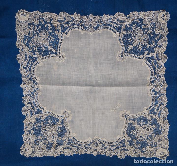 Antigüedades: Pañuelo de encaje antiguo Bruselas Punto a la aguja - Foto 3 - 156738156