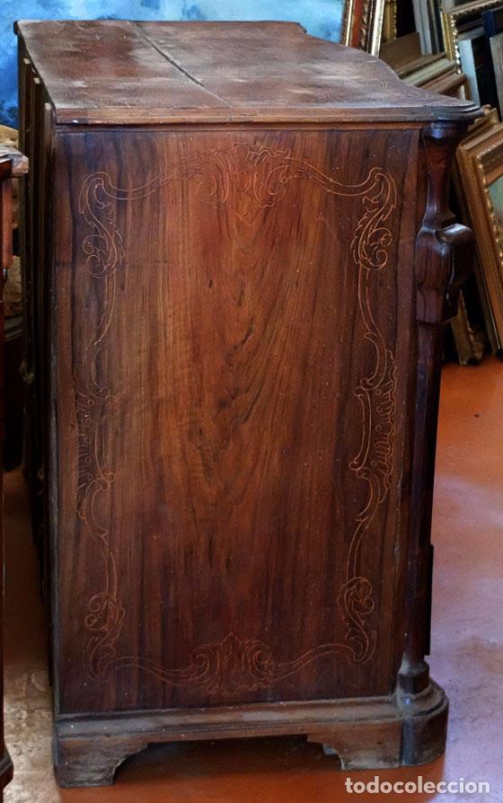 Antigüedades: SENSACIONAL COMODA CATALANA EN MADERA DE CAOBA Y MARQUETERIA DE BOJ. SIGLO XVIII - Foto 2 - 85131404