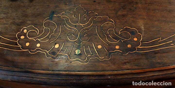 Antigüedades: SENSACIONAL COMODA CATALANA EN MADERA DE CAOBA Y MARQUETERIA DE BOJ. SIGLO XVIII - Foto 4 - 85131404