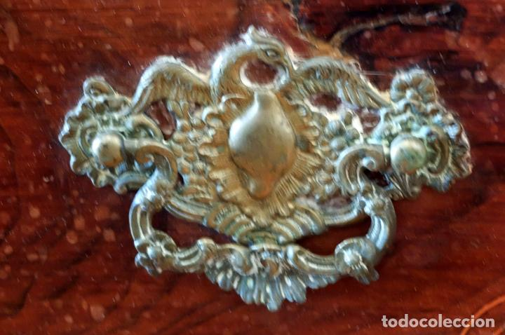 Antigüedades: SENSACIONAL COMODA CATALANA EN MADERA DE CAOBA Y MARQUETERIA DE BOJ. SIGLO XVIII - Foto 8 - 85131404