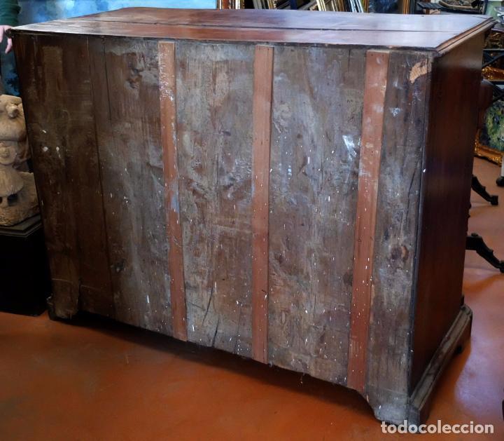 Antigüedades: SENSACIONAL COMODA CATALANA EN MADERA DE CAOBA Y MARQUETERIA DE BOJ. SIGLO XVIII - Foto 12 - 85131404