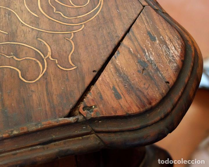 Antigüedades: SENSACIONAL COMODA CATALANA EN MADERA DE CAOBA Y MARQUETERIA DE BOJ. SIGLO XVIII - Foto 14 - 85131404