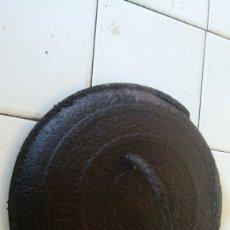 Antigüedades: TAPA MUY ANTIGUA DE POTA. Lote 85235740
