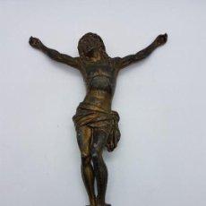 Antigüedades: ANTIGUA IMAGEN ESCULTURA DE JESUCRISTO CRUCIFICADO EN METAL PARA COLGAR O ENMARCAR.. Lote 85235932