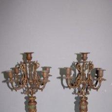 Antigüedades: PAREJA DE CANDELABROS 5 LUCES EN METAL DORADO Y ONICE DE 1900. Lote 85244368