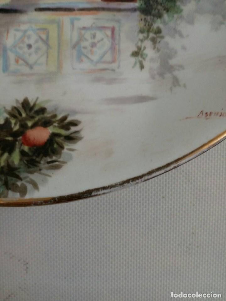 Antigüedades: PLATO PINTADO A MANO DE VALENCIANAS, FÁBRICA LA ASTURIANA, MARIANO POLA, FIRMADO ASENJO, MODERNISTA - Foto 6 - 85312464