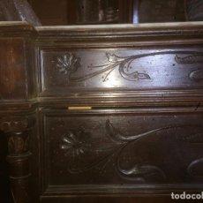 Antigüedades: ANTIGUA CÓMODA MODERNISTA DE LOS AÑOS 20-30 DE MADERA Y MARMOL BLANCO ENCIMA . Lote 85350216