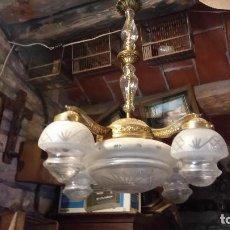 Antigüedades: ANTIGUA LAMPARA VINTAGE AÑOS 40 DE LATON Y METAL. CUATRO BRAZOS. Lote 85361904
